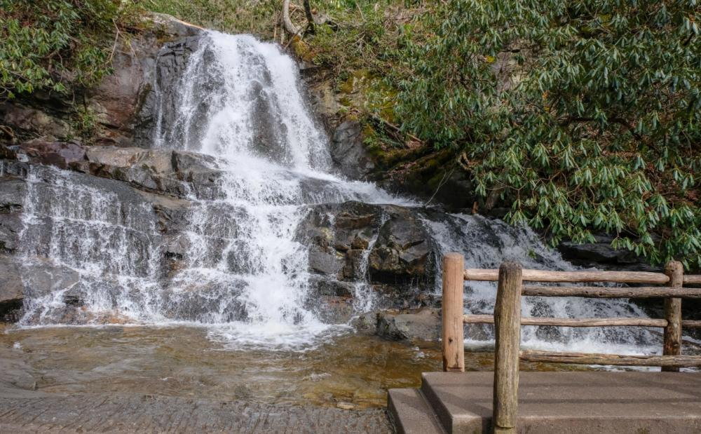 Hike to Gatlinburg waterfalls